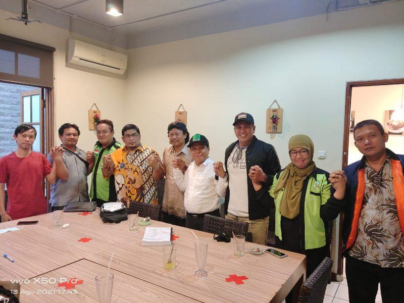 Pengurus SBSI 1992 berjanji akan berjuang menuntut hak 297 Karyawan korban PHK PT Sinar Central Sandang Tangsel