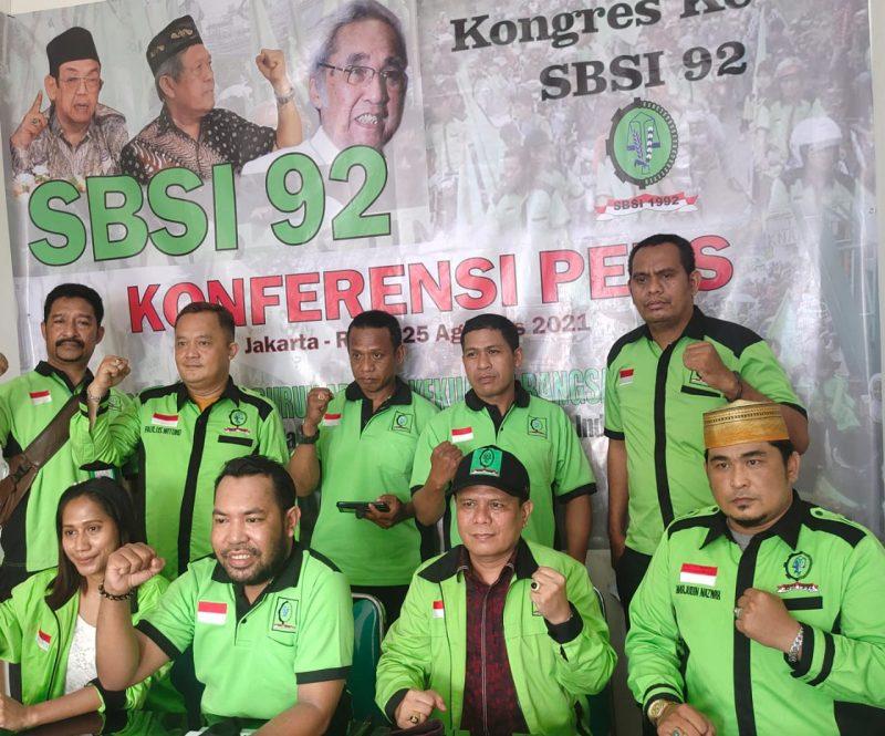 Pengurus DPP SBSI 1992 bersama Panitia Nasional Kongres ke-V SBSI 1992